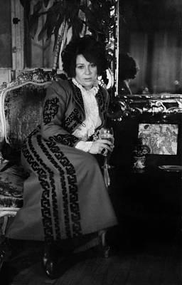 Portrait Of Artist Ruth Kligman Art Print by Fred W. McDarrah