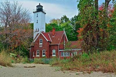 Animal Paintings David Stribbling - Presque Isle Lighthouse by Frozen in Time Fine Art Photography