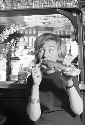 Pub Photograph - Pub Sandwich by Bert Hardy Advertising Archive