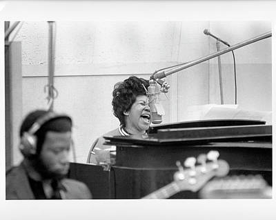 Field Photograph - Queen Of Soul Recording In Ny by Michael Ochs Archives