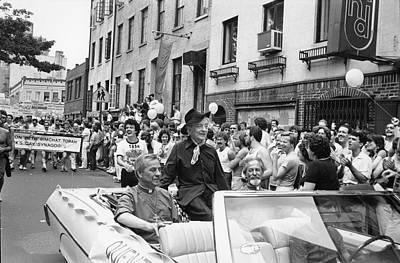 Photograph - Quentin Crisp On Gay Pride Day by Fred W. McDarrah