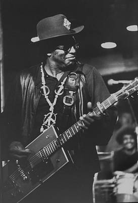African American Artist Wall Art - Photograph - R & B Artist Bo Diddley Playig Guitar by John Olson