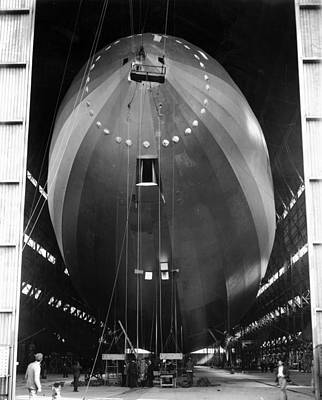 Photograph - R-101 Airship by Central Press