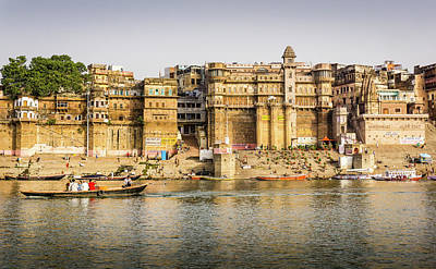 Photograph - Rana Mahal Ghat Varanasi by Gary Gillette