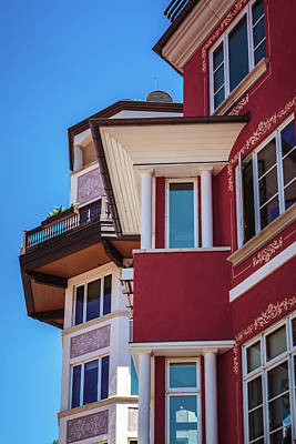 Photograph - Red Building In Lionshead Village, Vail by Jeanette Fellows