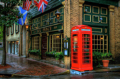 Photograph - Red Telephone Booth At Six Pence Pub by Danita Delimont
