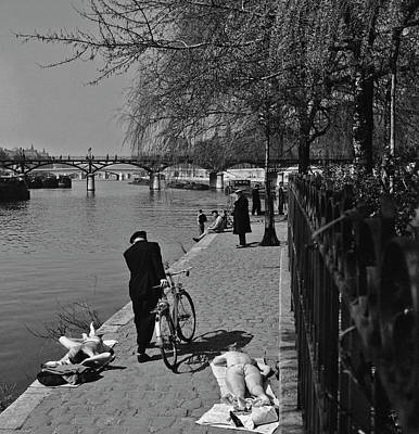 Photograph - Relaxing By The Seine by Slim Aarons