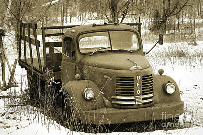 Photograph - Reo Speed Wagon Gold Comet by Arthur Miller