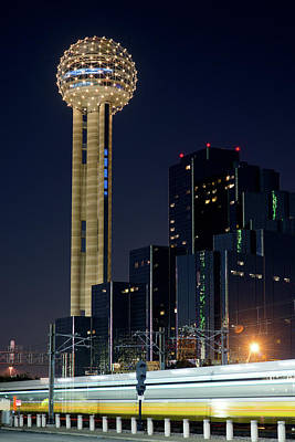Photograph - Reunion Tower Dart Train 111918 by Rospotte Photography