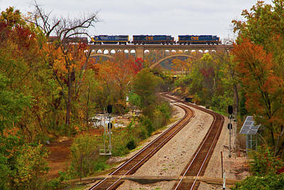Wall Art - Photograph - Richmond Bound Train by Cliff Middlebrook