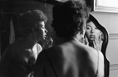 Photograph - Rita Moreno Putting On Lipstick In by Loomis Dean