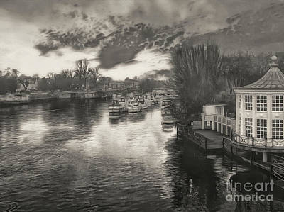 Photograph - River At Hampton Court by Leigh Kemp