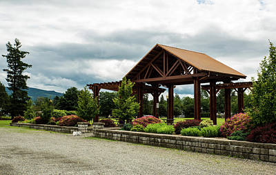 Photograph - Riverside Park Pavilion by Tom Cochran