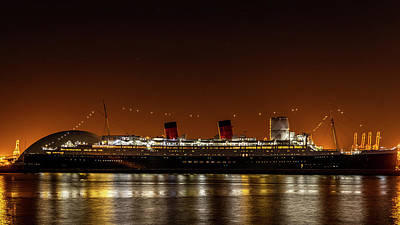 Photograph - Rms Queen Mary by Gene Parks