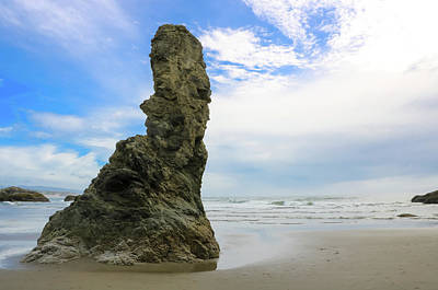 Photograph - Rock Spire 1, Bandon Beach, Oregon by Dawn Richards