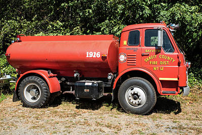Photograph - Rockport Tanker Truck by Tom Cochran