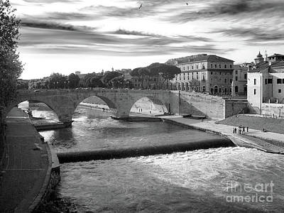 Tiber Island Wall Art - Photograph - Rome - Tiber River And Tiber Island by Stefano Senise
