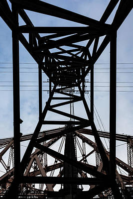 Photograph - Roosevelt Island Tram Pylon by Robert Ullmann