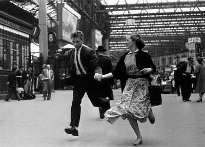 Photograph - Running Together by Bert Hardy