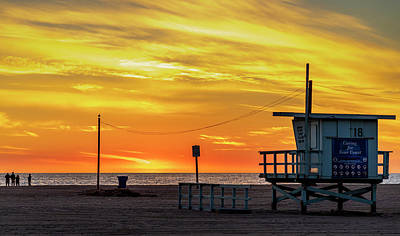 Photograph - Santa Monica Lifeguard Tower 18 by Gene Parks