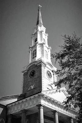 Photograph - Savannah Georgia Independent Presbyterian Church Steeple In Charcoal by Carol Montoya