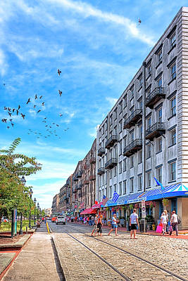 Photograph - Savannah Street Scene - East River Street by Mark E Tisdale