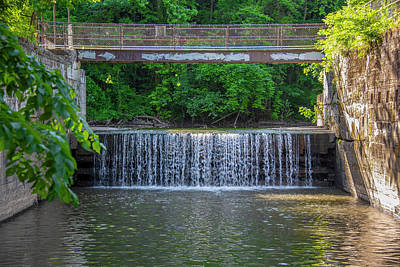 Photograph - Schuylkill Canal - Mont Clare - Overflow Falls by Bill Cannon