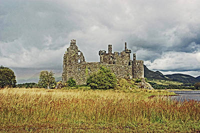 Photograph - Scotland. Loch Awe. Kilchurn Castle. by Lachlan Main