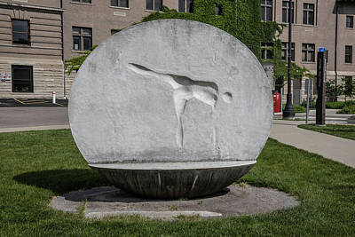 Photograph - Sculpture At The Ohio State University by John McGraw