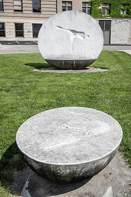 Photograph - Sculpture Two The Ohio State University by John McGraw