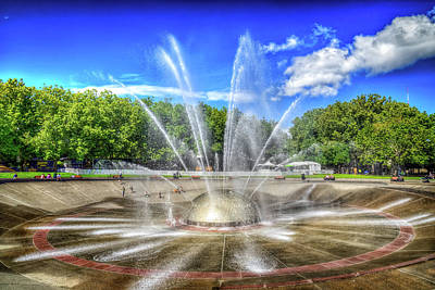 Photograph - Seattle Center Fountain by Spencer McDonald