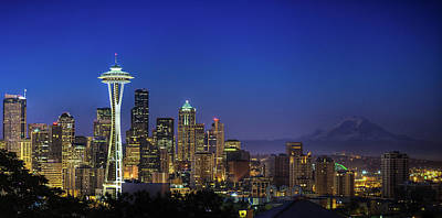 Photograph - Seattle Skyline by Sebastian Schlueter (sibbiblue)
