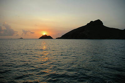Photograph - Setting Sun Over The Islands by Mark Duehmig