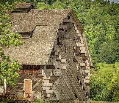 Photograph - Shingled Barn by Jean Noren