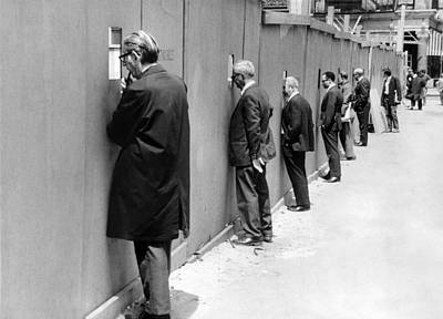 Photograph - Sidewalk Superintendents Watching by New York Daily News Archive