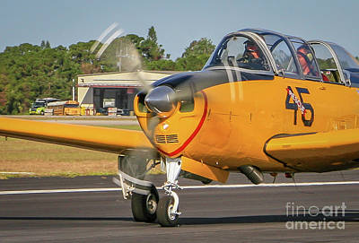 Photograph - Single Engine Taxi by Tom Claud