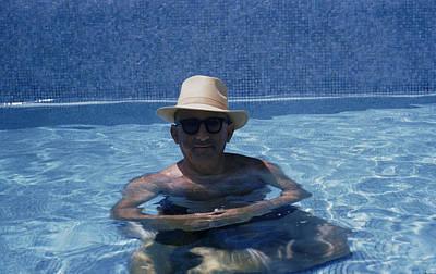 Photograph - Siodmak In Pool by Slim Aarons