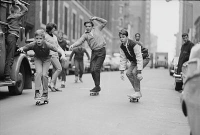 Photograph - Skateboarding In Nyc by Bill Eppridge