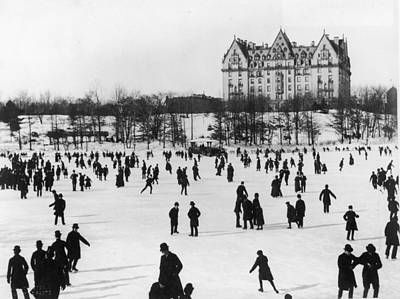 General Photograph - Skating In Central Park, Nyc by Fotosearch