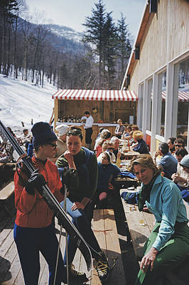 Ski Resort Photograph - Ski Fashion At Sugarbush by Slim Aarons