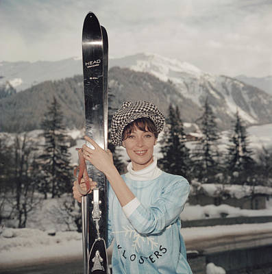 Photograph - Ski Siren by Slim Aarons