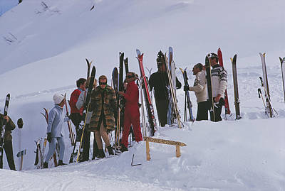 Ski Resort Photograph - Skiers At Gstaad by Slim Aarons
