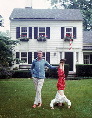 Two People Photograph - Slims Helping Hand by Slim Aarons