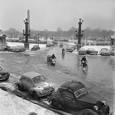 Photograph - Snowy Paris In February 1956 by Keystone-france