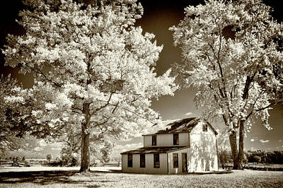 Photograph - Snyder Battlefield Farm House by Paul W Faust - Impressions of Light