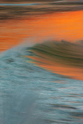 Photograph - Soft Wave by John Rodrigues