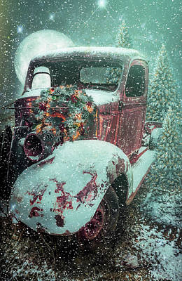 Photograph - Softly Snowing Dressed Up For Christmas by Debra and Dave Vanderlaan