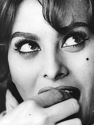 Photograph - Sophia Loren by Keystone Features