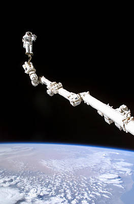 Photograph - Space Shuttle Discovery by Nasa -