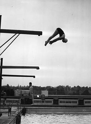 Photograph - Springboard Dives by Picture Post